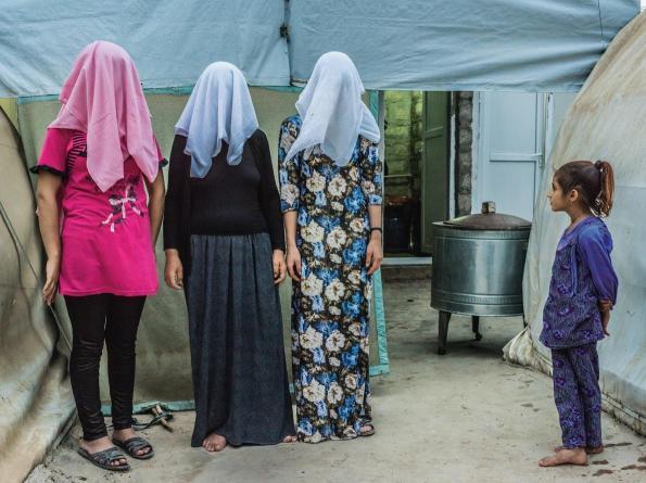 kurdish-women-adapt-1190-1